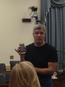 "Edward Damiano, PhD, touts the ""bionic pancreas"" to congressional staffers."